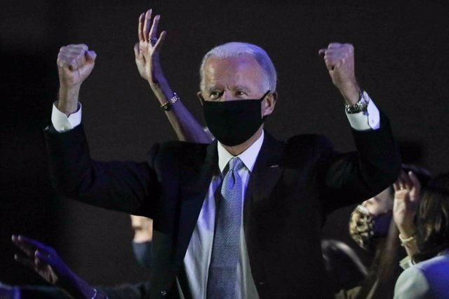 07 November 2020, US, Wilmington: USpresident-elect Joe Biden greets his supporters during a ceremony at Chase Center after defeating incumbent President Donald Trump to become the US 46th president. Photo: Saquan Stimpson/ZUMA Wire/dpa