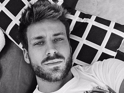 Alejandro Caracuel, modelo y exconcursante de Supervivientes, víctima de un hacker en redes sociales