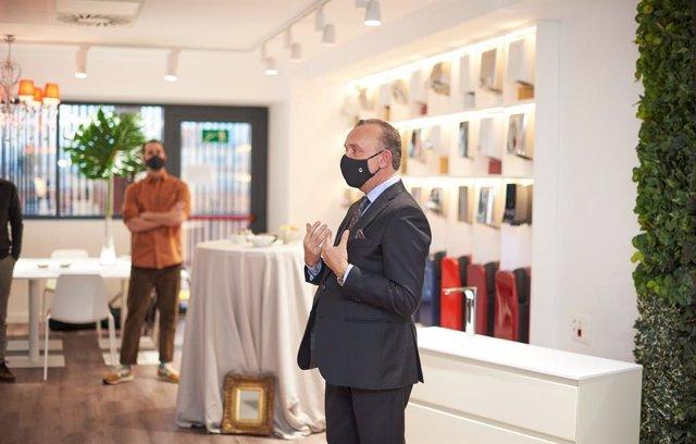 Momento de la presentación en el showroom de Nofer.