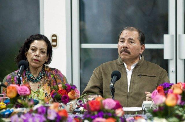El presidente de Nicaragua, Daniel Ortega, y su mujer, la vicepresidenta, Rosario Murillo.