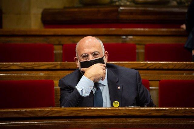 El diputat de JxCat Eduard Pujol en una sessió de control al Parlament. Catalunya, (Espanya), 7 d'octubre del 2020.