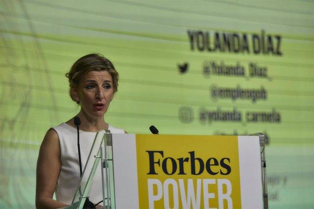 La ministra de Trabajo y Economía Social, Yolanda Díaz, interviene en la inauguración de una nueva edición de 'Forbes Power Summit Women 2021', en Madrid, (España), a 21 de enero de 2021. Esta IV edición de Forbes Power Summit Women, 'Mujeres visionarias