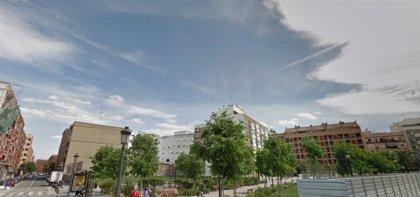 Disuelven grupos de 29 jóvenes sin mascarilla, bebiendo y consumiendo drogas en un parque de València
