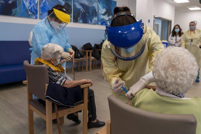 Coronavirus.- Un total de 589 personas en Aragón ya han recibido la segunda dosis de la vacuna contra la COVID-19