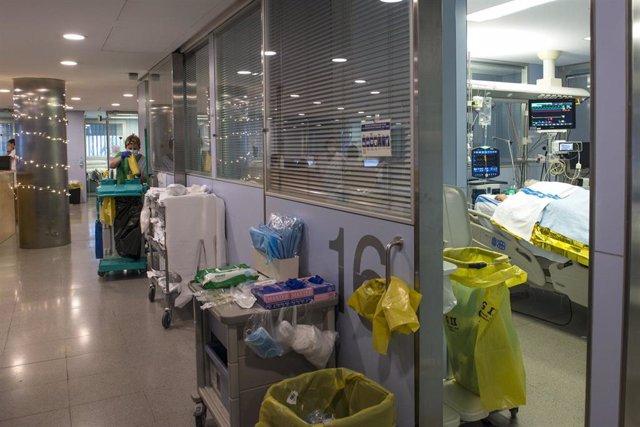 La Unidad de Cuidados Intensivos (UCI) para enfermos de coronavirus del Hospital Universitario Dr. Josep Trueta de Girona, Catalunya (España)