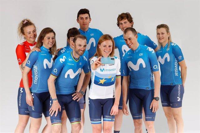 Integrantes de los equipo masculino y femenino del Movistar Team, en la presentación de los objetivos para la temporada 2021