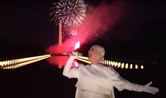 Katy Perry interpeta Fireworks en la fiesta de investidura de Joe Biden