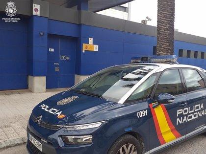 Detenido por amenazar con un cuchillo a un policía fuera de servicio en un local de hostelería