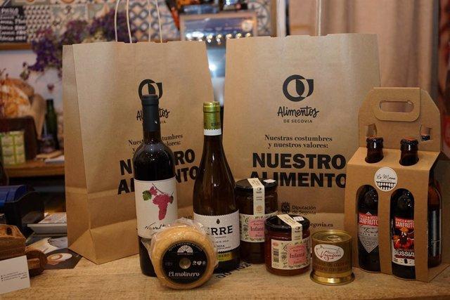 Bolsas de la marca 'Alimentos de Segovia' adscrita a la Diputación segoviana.