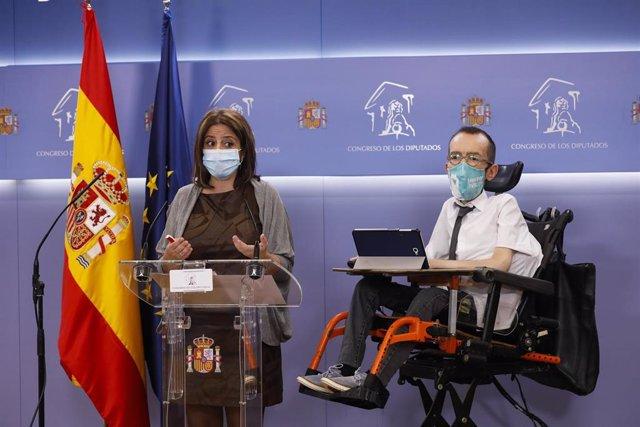 Ls potavoces del PSOE y de Unidas Podemos, Adriana Lastra y Pablo Echenique, en rueda de prensa en el Congreso
