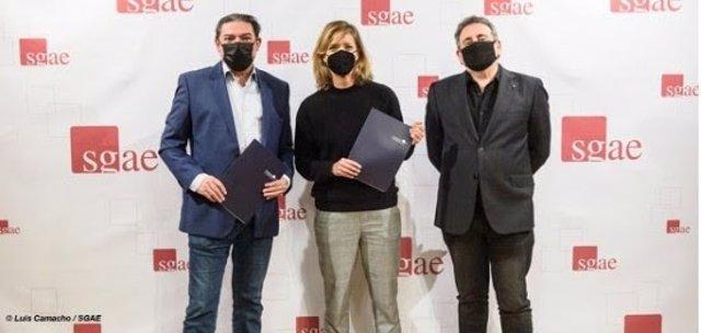 Antonio Onetti, presidente de la SGAE;  María Casado, presidenta de la Academia de Televisión; y Juan José Solana, presidente de la Fundación SGAE.