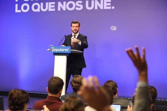 El presidente del Partido Popular, Pablo Casado, interviene en una rueda de prensa. En Madrid (España), a 9 de marzo de 2020.