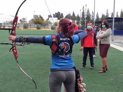 La Junta felicita al Club Asirio de Huelva por su actuación en el campeonato andaluz de tiro con arco en sala