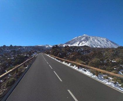 El Cabildo de Tenerife reactiva el operativo del Teide con la carretera de La Esperanza en sentido descendente