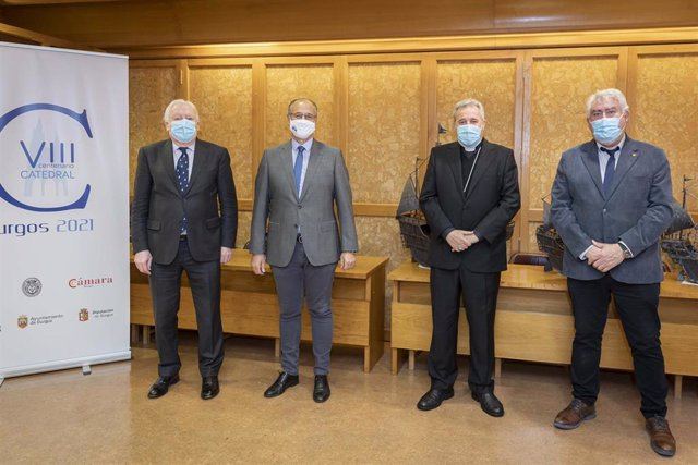 Encuentro en el que el presidente de las Cortes ha reafirmado su compromiso con el VIII Centenario de la Muerte de Santo Domingo de Guzmán.