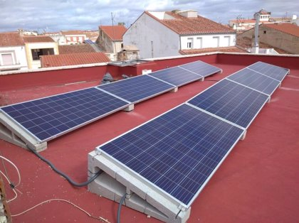 El Ayuntamiento de Gines (Sevilla) calcula más de 700 beneficiarios este año de su rebaja de IBI por placas solares
