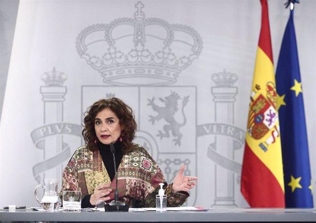 La ministra portavoz y de Hacienda, María Jesús Montero, interviene durante una rueda de prensa convocada ante los medios posterior al Consejo de Ministros, en Madrid, a 19 de enero de 2021. El Consejo de Ministros ha aprobado este martes la declaración d