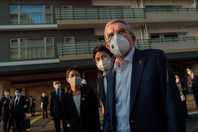 El presidente del COI Thomas Bach en una reciente visita a Tokio