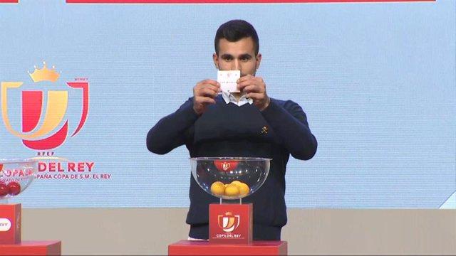 Imágenes del sorteo de los dieciseisavos de final de la Copa del Rey.