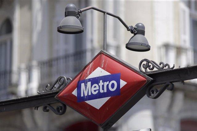 Imagen de recurso de un cartel del Metro de Madrid.