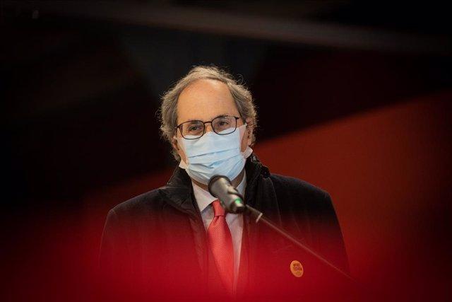 L'expresident de la Generalitat, Quim Torra, en l'acte de lliurament al Museu d'Història de Catalunya (MHC) de la pancarta en favor dels presos sobiranistes. Catalunya (Espanya), 2 de desembre del 2020.