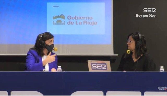Concha Andreu, entrevistada por Angles Barceló en la Cadena SER, hoy haciendo el programa desde Logroño