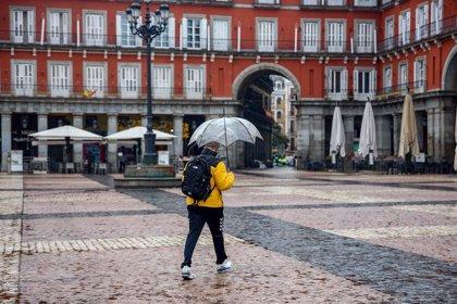 Tres frentes cruzarán España este fin de semana con lluvias, vientos, oleaje y con temperaturas más altas de lo normal
