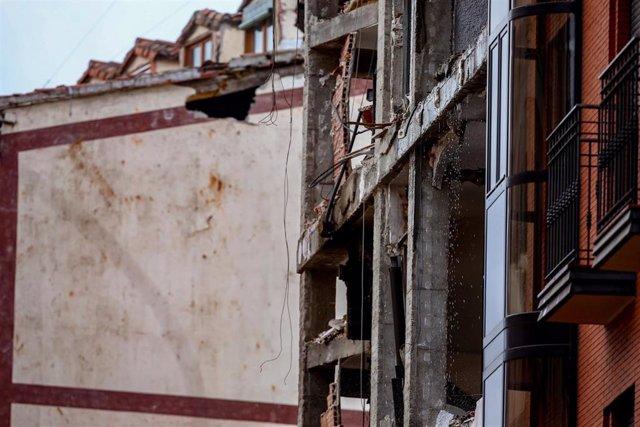 Estructura del edificio afectado tras la explosión en la calle Toledo, en Madrid (España).