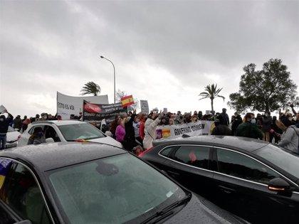 Arranca la manifestación motorizada de la hostelería, con unas 400 personas a pie