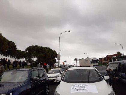 La cola de coches de la manifestación de la hostelería ocupa al menos unos tres kilómetros de calles en Palma