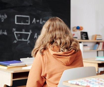 Suspenden las clases en dos centros en Euskadi y 140 aulas cerradas por positivos en Covid, el 0,80% del total