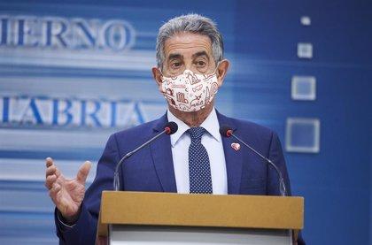 """Revilla carga contra los políticos que se vacunan y llama """"caras"""" a los jefes de Ambuibérica"""