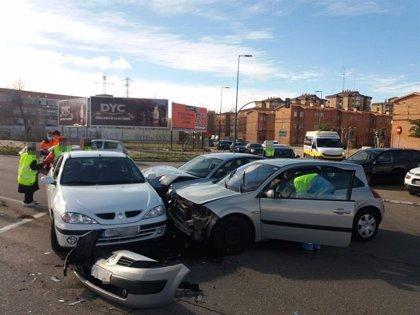 Dos conductoras heridas en el accidente entre tres vehículos en Valladolid