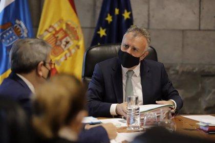 Canarias destinará 400 millones entre ayudas y aplazamiento fiscales a los sectores más afectados