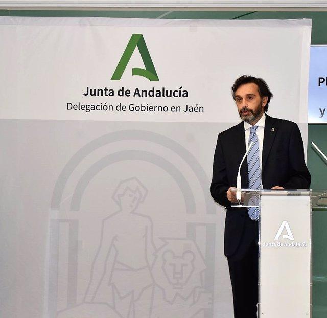 El delegado territorial de Empleo, Formación, Trabajo Autónomo, Transformación Económica, Industria, Conocimiento y Universidades en Jaén, Francisco Joaquín Martínez.