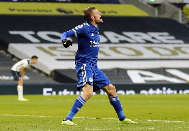 Jamie Vardy celebrando un gol con el Leicester City
