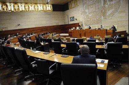 Los Presupuestos de Extremadura para 2021 se aprueban con el apoyo de PSOE y Cs y el voto en contra de PP