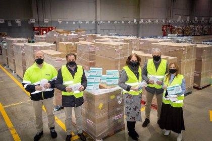 El Ayuntamiento de Zaragoza recibe 235.000 mascarillas donadas por Eroski, que se distribuirán entre entidades sociales
