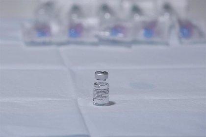 Pfizer y BioNTech firman un acuerdo con la OMS para suministrar hasta 40 millones de dosis a países pobres