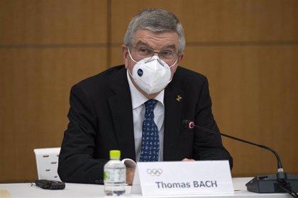 """Thomas Bach: """"Todo el mundo está determinado a llevar a cabo los Juegos dentro de seis meses"""""""