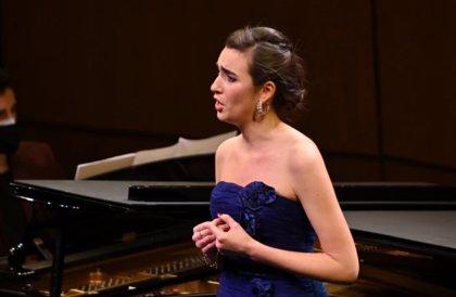 La mezzosoprano Carmen Artaza, ganadora de la 58 edición del Concurso Internacional de Cant Tenor Viñas