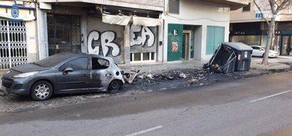 El fiscal pide seis años y medio de cárcel para un hombre por incendiar contenedores en Palma