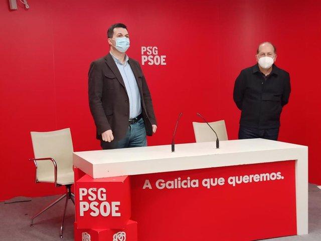 El secretario xeral del PSdeG, Gonzalo Caballero, y el presidente del PSdeG, Xoaquín Fernández Leiceaga, en rueda de prensa