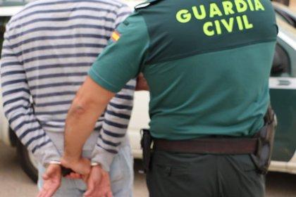 Detienen a cinco personas y desarticulan dos puntos de venta de drogas tras un robo con violencia en Felanitx