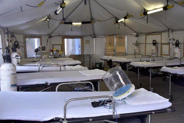 Interior de un hospital de campaña de Bogotá.