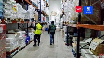 La Guardia Civil incauta más de 122.000 kilos de productos cárnicos y detiene a 14 personas