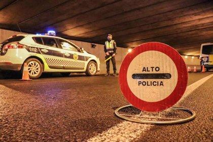 Policía Local de Alicante disuelve dos botellones y cinco fiestas en viviendas e impone 83 denuncias por desobediencia