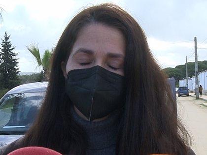 Agustina Rivera, rota de dolor en el entierro de su tío Riverita