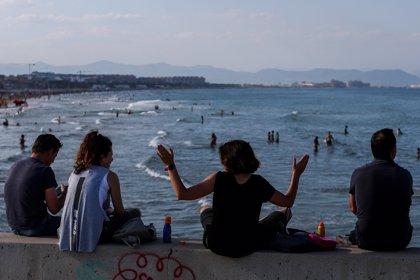 La Comunitat Valenciana limita las reuniones a dos personas y cierra grandes ciudades los fines de semana