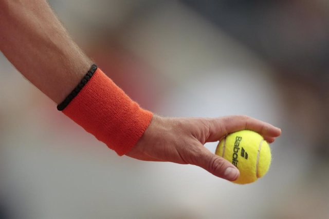 Tennis ball Babolat in hand of Novak DJOKOVIC (SRB) during the Roland-Garros 2019, Grand Slam Tennis Tournament, men's draw on June 7, 2019 at Roland-Garros stadium in Paris, France - Photo Stephane Allaman / DPPI